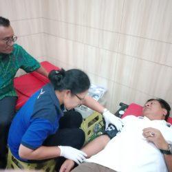 Aksi Donor Darah Togar Situmorang Sambut Hari Pahlawan