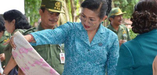 Jelang Hari Raya Galungan, TP PKK Provinsi Bali Gelar Pasar Murah