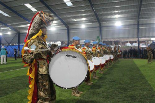 Aksi Drumband Prajurit TNI Konga XXIII-M Pukau Warga Touline Lebanon
