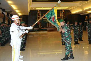 Tradisi Laporan Korps dan Sertijab Perwira Menengah Kodam IX/Udayana