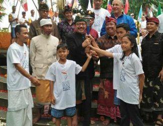 Dari Desa Sudaji, Api Obor Peace Run Diarak Keliling Dunia