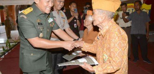 Hut ke-62 LVRI, Pangdam IX/Udayana Ajak Masyarakat Hargai Jasa Veteran