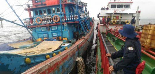 Diduga Sedang Transfer BBM di Teluk Jakarta, Bakamla RI Amankan 2 Kapal