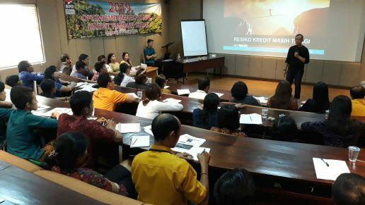 DPK Perbarindo Denpasar Edukasi SDM BPR Menuju Perbankan yang Sehat