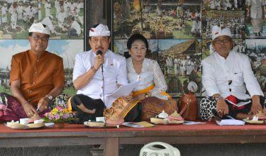 Jelang Panca Wali Krama di Pura Besakih, Wagub Cok Ace Ingatkan Pemedek Tidak Bawa Sarana Upakara Terbungkus Plastik