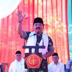 """Panglima TNI: Pesantren Jadi Pemersatu Bangsa"
