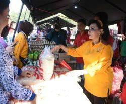 Bazar dan Bakti Sosial Kesehatan Hut ke-55 Dharma Pertiwi, Ketum Ny. Nanny Hadi Tjahjanto Ikut Donor Darah