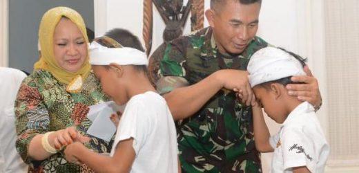 Doa Bersama Anak Panti Asuhan Lintas Agama, Pangdam Udayana: Jaga Silahturahmi Perkuat Persaudaraan