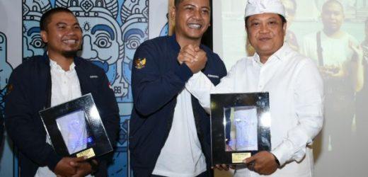 Terima Penghargaan Lifetime Achivement HIPMI Denpasar, Walikota Rai Mantra: Peluang Usaha Jangan Ditunggu tapi Diciptakan