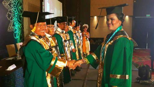 """Kado Istimewa Wisuda III STIMIK Primakara Raih Akreditasi B Menuju """"Kampus IT Terbaik di Bali"""""""