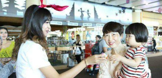 Bandara Internasional I Gusti Ngurah Rai Disemarakkan Diorama Easter Egg Emote