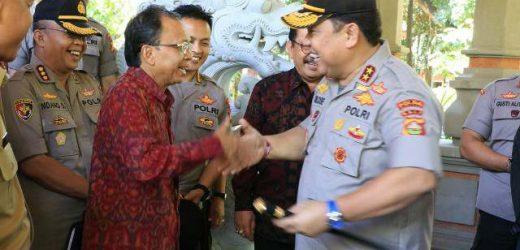 """Silahturahmi Gubernur Koster dengan Kapolda Bali, Sinergi Bangun Bali Wujudkan """"Nangun Sat Kerthi Loka Bali"""""""