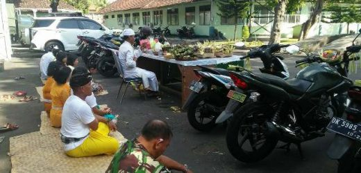 Rahina Tumpek Landep, Alutsista Korem 163/Wira Satya Diupacarai