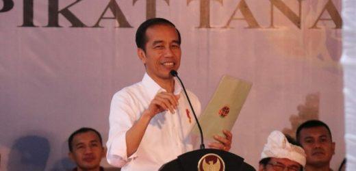 Presiden Serahkan 3.000 Sertifikat Tanah, Jokowi: Saya Titip Untuk Modal Usaha, Jangan Gunakan Untuk Yang Lain-lain