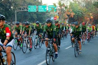 Pangdam Udayana dan Komunitas Bersepeda Gowes Road Bike Tempuh Jarak 80 Km