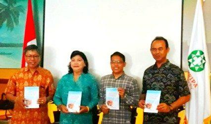 """Sambut Dies Natalis ke-1, Universitas Bali Dwipa Luncurkan Buku """"Susu Sapi Bali Sebagai Satvika Boga"""""""