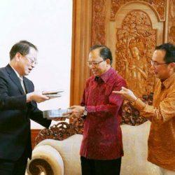 Terima Delegasi China, Gubernur Koster Jelaskan Taksu Bali Magnet bagi Wisatawan