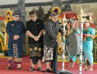 Buka Mahasabha PPTSAS ke-2, Wagub Cok Ace: Jaga Pasemetonan dan Paiketan