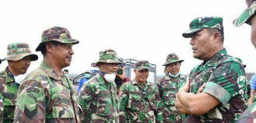 Apresiasi Kinerja Satgas, Kasum TNI Akan Siagakan Heli Water Bombing Cegah Karhutla di Riau