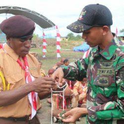 Peringati Hari Pramuka ke-58, Prajurit Pamtas RI-PNG Berikan Materi Bela Negara