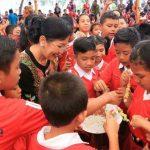 Ketua Forikan Bali, Ny. Putri Suastini Koster: Jangan Percaya Makan Ikan itu Cacingan