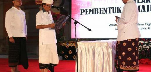 Majelis Desa Adat Provinsi Bali Dikukuhkan, Gubernur Koster: Desa Adat Jadi Pilar Kembalikan Taksu Bali