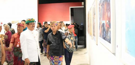 Pameran International Watercolor Society, Wagub Cok Ace: Seni Lukis Gerakkan Cakrawala Masyarakat
