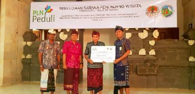 Konsen Jaga Kelestarian Lingkungan, PLN Bantu Fasum di Kawasan Wisata Karangsewu