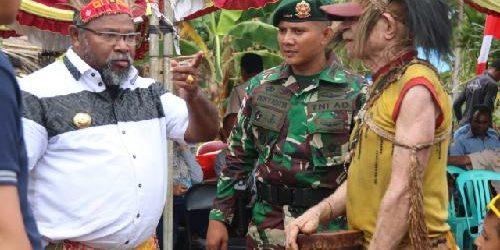 Festival Budaya Perbatasan Suku Kanum, Dansatgas Pamtas RI-PNG Yonif 411 Kostrad: Melestarikan Budaya Wujud Cinta terhadap Bangsa Indonesia