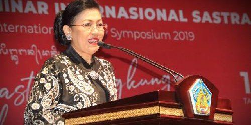 Ny. Putri Suastini Koster Berupaya Setarakan Ruang Berekspresi bagi Seniman Modern dan Tradisi