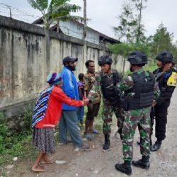 TNI dan Polri Gelar Patroli Simpatik, Pastikan Keamanan Jayawijaya Kondusif