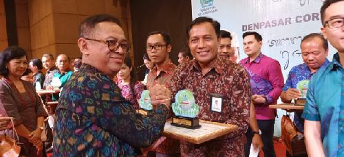 Komit Jaga Lingkungan Bali, PLN UID Bali Sabet Penghargaan DCSR