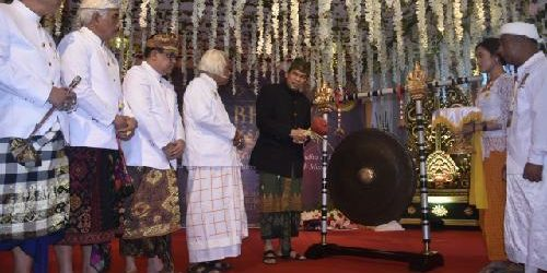 Mahasabha IV Dharmopadesa Pusat Dihadiri 500 Ida Pedanda Siwa-Budha