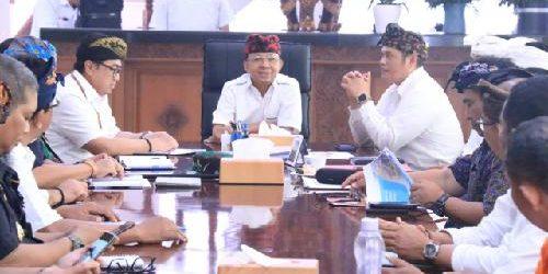 Rakor dengan Stakeholder Bandara Ngurah Rai, Gubernur Koster Minta Layanan Wisatawan Zero Complaint