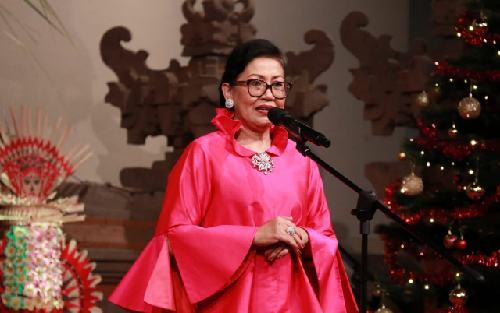 """Hadiri Perayaan Natal 2019, Ny. Putri Suastini Koster Ajak """"Wanita Terpuji"""" Bersinergi Bersama Membangun Bali"""