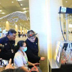 """Bandara Ngurah Rai Operasionalkan Alat Deteksi Suhu Tubuh """"Thermal Scanner"""", Wagub Cok Ace: """"Tetap fokus dan jangan ada penumpang lolos dari deteksi"""""""