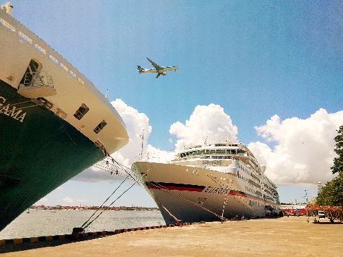 Lagi, Dua Cruise Sandar Bersamaan di Benoa Cruise Terminal Dermaga Timur
