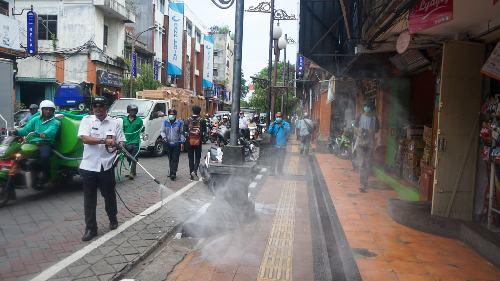 Tiap Dua Hari Sekali Ruas Jalan di Denpasar Disemprot Desinfektan, juga Saat Malam Pengerupukan