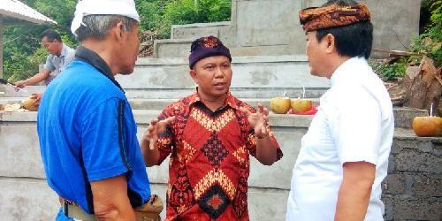 """Fasilitasi Bantuan Pura dan Gamelan, Alit Kelakan: """"Membantu krama adalah kenikmatan bagi saya"""""""