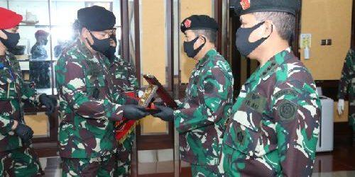Kolonel Adm Gladly Mailoa Jabat Kepala Pusat Keuangan TNI