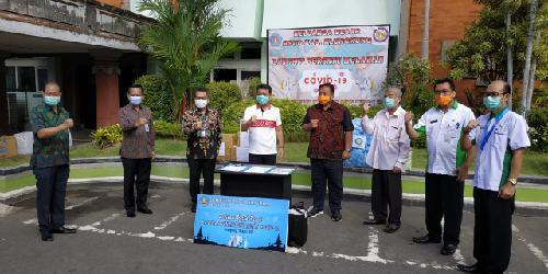 BMPD Bali Salurkan 5.727 APD untuk RSUD Klungkung