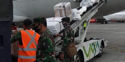 TNI Salurkan APD ke Sejumlah Daerah