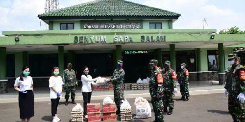 Perempuan Tani HKTI DKI Jakarta dan TNI AD Salurkan 400 Paket Sembako untuk Warga