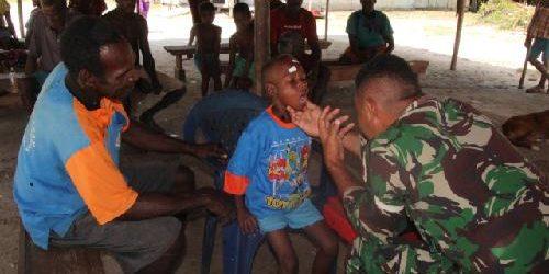 TNI Berikan Pelayanan Kesehatan Gratis Bagi Warga Epem
