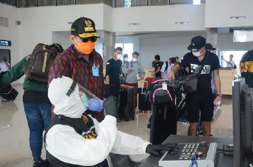 Tiba di Bali, 159 PMI Langsung Jalani Test SWAB