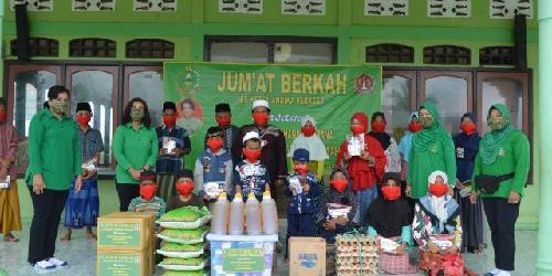 Persit KCK Koorcab Korem 174 Serahkan Bantuan Tali Asih untuk Anak-Anak Panti Asuhan