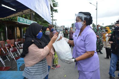 """""""Kogabwilhan-I Peduli dan Berbagi"""", Serahkan 800 Paket Sembako"""
