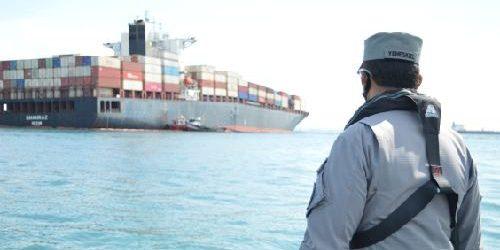 Kepala Kantor Kamla Zona Maritim Barat Tinjau Kapal Kandas di Pulau Sambu Batam
