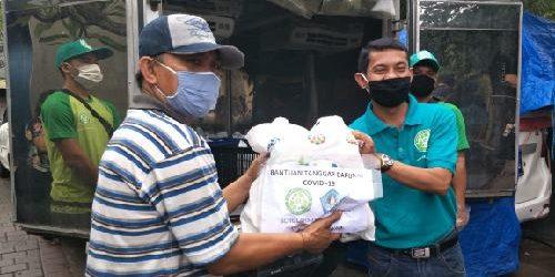 """Gerakan """"One Hand For One Life"""", Donasikan 400 Nasi Bungkus Setiap Hari bagi Warga Kurang Mampu"""