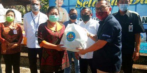 """Dedikasi Untuk Negeri"" BMPD Bali Gelontorkan Bantuan APD dan Sembako kepada Pemkab Karangasem"